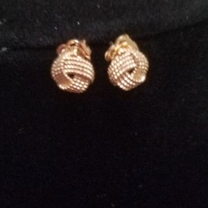 14k solid gold stud earrings